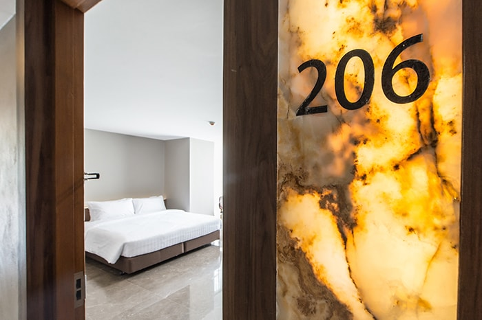 Onyx Hotel Bangkok: Deluxe Closet